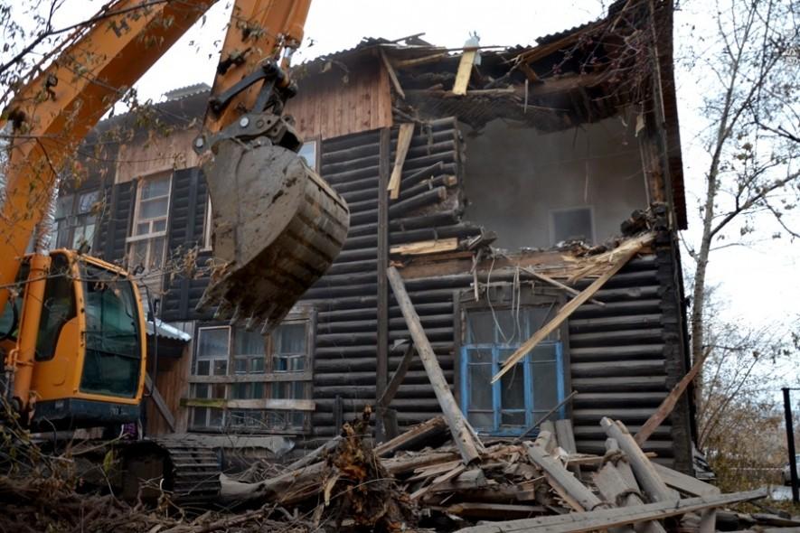 разборка механическим путем деревянных домов