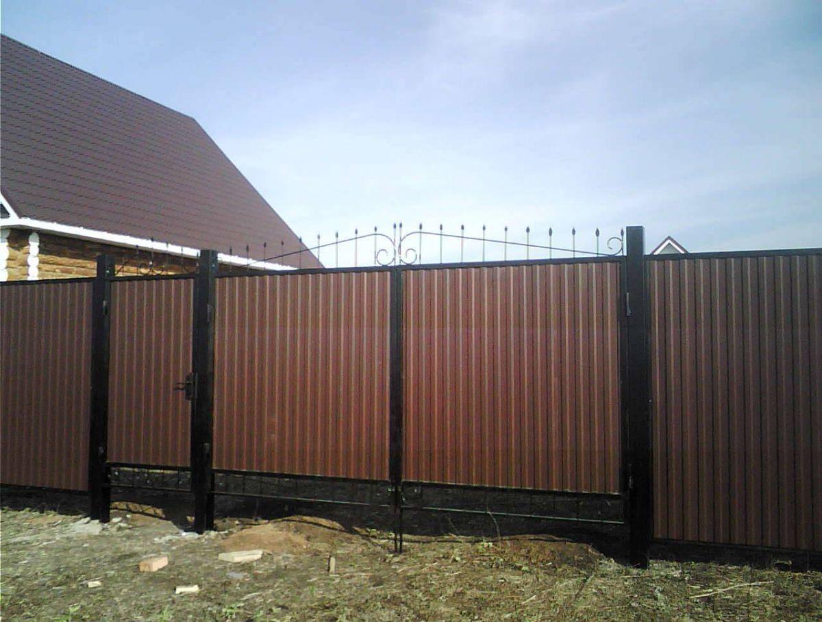 Забор своими руками профнастила фото