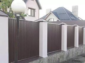 забор из профлиста коричневый цена